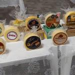 Os pesquisadores também fizeram diversos estudos que envolveram o solo e a água (aspec-tos físicos, químicos e microbiológicos), a alimentação das vacas e as análises do leite e do queijo Foto: relacionada / reprodução.
