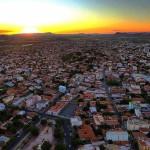 Imagem: Por-do-Sol em Guanambi - VBS Drones / reprodução Agência Sertão